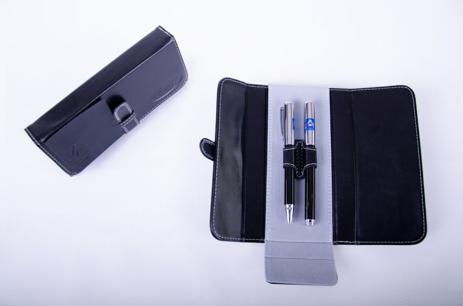 Pen Set Leather Pouch